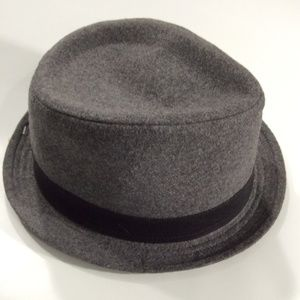 Levi's   Gray Hat New LXL
